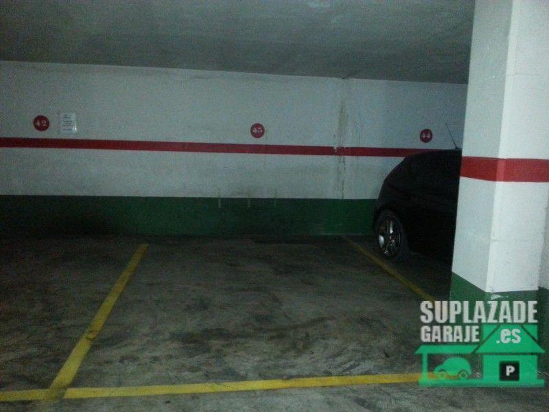 Plaza de garaje amplia de fácil acceso