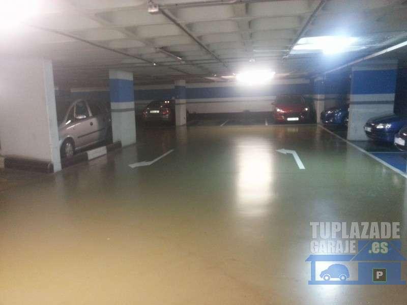 plaza coche grande en Guinüeta - 314322408120