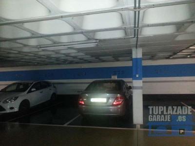 plaza de parking para coche grande en c. f. guineueta, calle castor 1. es una concesión del ayuntam