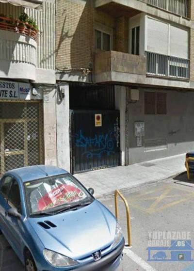 alquilo plaza de garaje en el nº 95 de camino de ronda, es de una sola planta, fácil acceso y muy