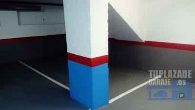 plaza de parking para coche pequeño o para de 1 a 4 motos (4,60 x 2,25). altura máxima para coche