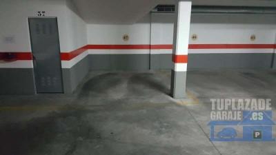 plaza de garaje amplia en edificio ubicado a las espaldas de alcampo. posibilidad de trastero inclui