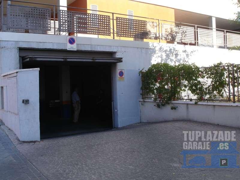 Sanchinarro, Antonio Saura, de 1 a 3 plazas - 014959828211