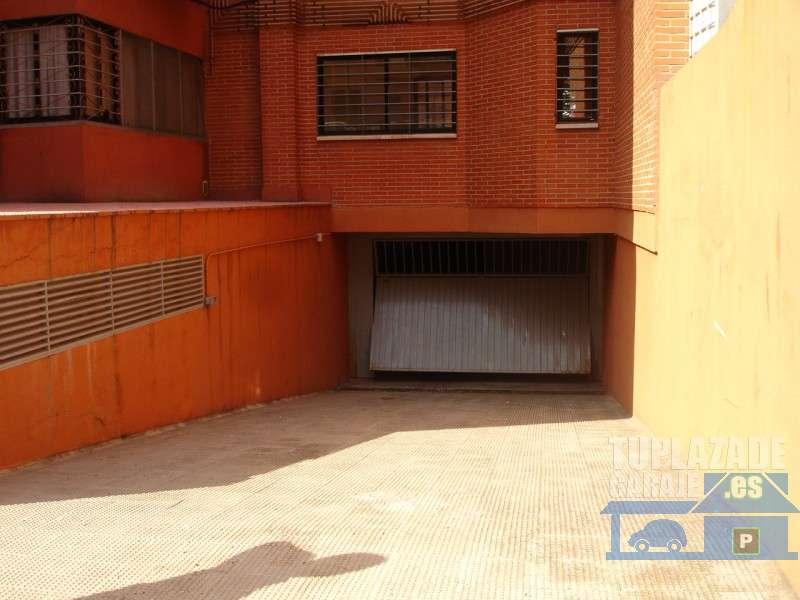 Purchena, entre el metro Pinar de Chamartín y Manoteras, de 1 a 4 plazas - 020559828211
