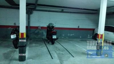 cómodo acceso por rampa a plaza de garaje con puerta automática. calle perpendicular a bravo muril