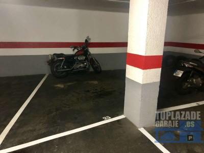 pack de 2 plazas de parking para 2/3 coches y moto/bicis situada en planta -2 con muy fácil acceso