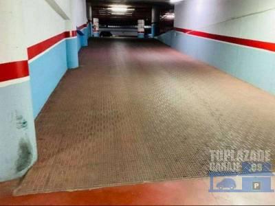 se vende plaza de garaje en casco histórico de cartagena, con entrada por calle gisbert y calle del