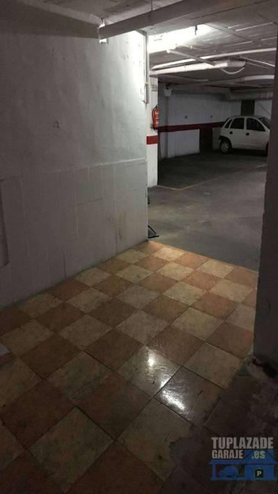 se alquila plaza de garaje para coche y moto, en sotano urbanizacion c/ rio nevalo 2 y 4, situada ju