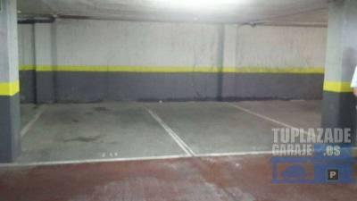 calle del poeta josep cervera i grífol, 12. alquilo una plaza de garaje muy amplia con trastero 70