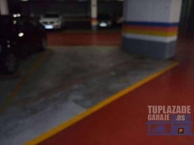 preciosas plazas de garaje? amplias y con muy buena amplitud para aparcar. puertas de entrada y sali