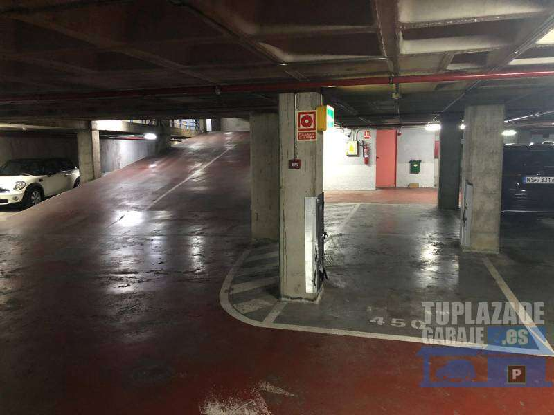 Plaza de Parquing en venta - 05766678449