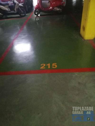 plaza de garaje en el aparcamiento anexo al club de tenis. cómoda entrada a nivel de calle y apertu