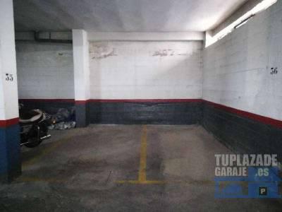 se alquila plaza de garaje para moto. ideal para moto grande, de fácil maniobrabilidad. puerta auto